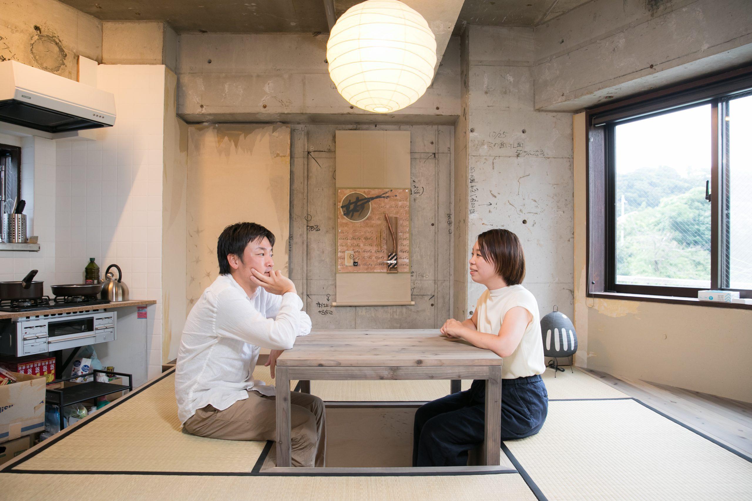 inaho株式会社オフィスにある奥座敷で会話